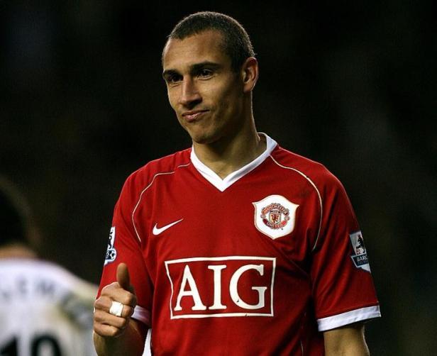 Soccer - FA Barclays Premiership - Manchester United v Aston Villa - Old Trafford